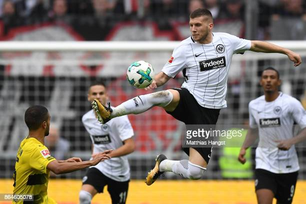 Ante Rebic of Frankfurt fights for the ball with Jeremy Toljan of Dortmund during the Bundesliga match between Eintracht Frankfurt and Borussia...