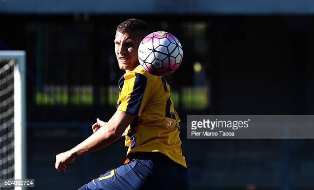 Ante Rebic of Hellas Verona in action during the Serie A match between Hellas Verona FC and AC Milan at Stadio Marc'Antonio Bentegodi on April 25...