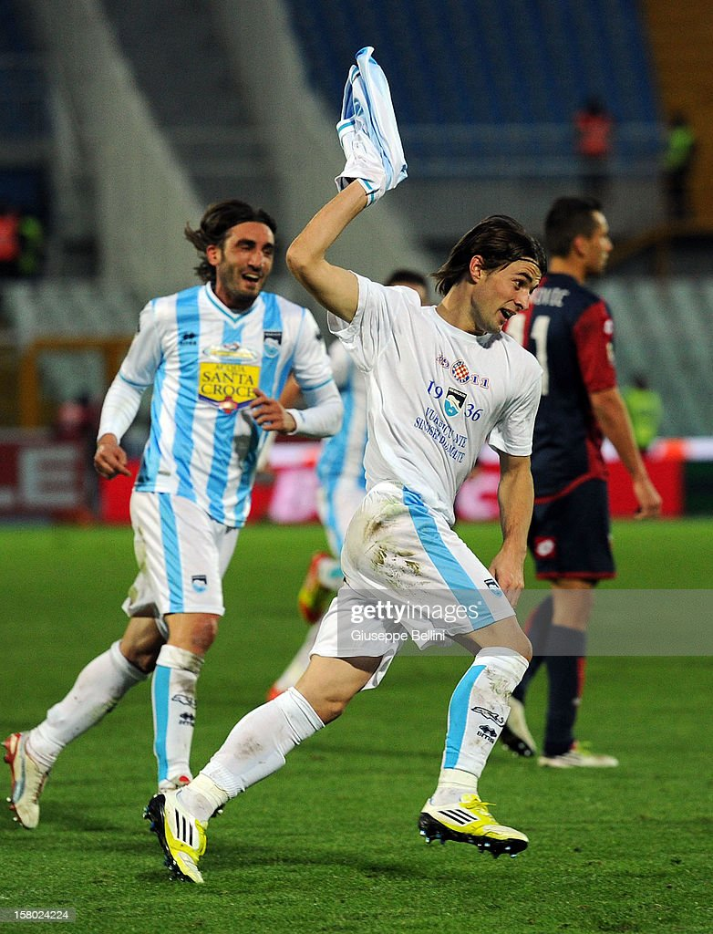 Ante Vukusic of Pescara celebrates after scoring the goal 2-0 during the Serie A match between Pescara and Genoa CFC at Adriatico Stadium on December 9, 2012 in Pescara, Italy.