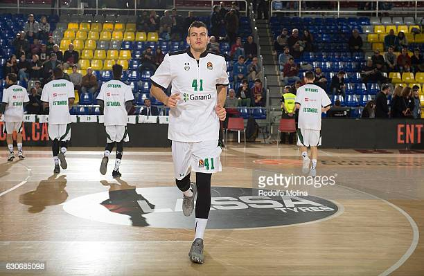 Ante Zizic #41 of Darussafaka Dogus Istanbul warming up prior the 2016/2017 Turkish Airlines EuroLeague Regular Season Round 15 game between FC...