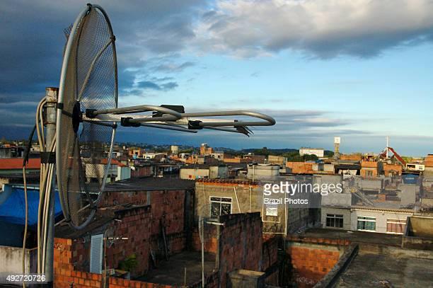 Antenna on a house´s cover-slab in Favela da Maré, Rio de Janeiro, Brazil.