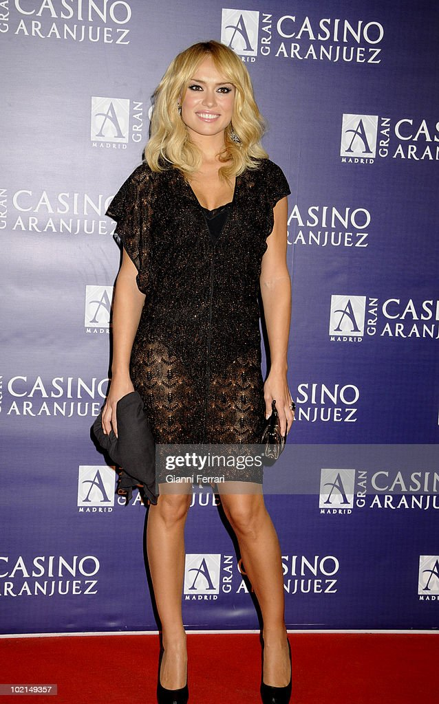 'Antennas Gold 2009', the arrival of the guests at the awards 'Golden Antenna', the TV presenter Patricia Conde, 27th September 2009, 'Gran Casino de Aranjuez', Aranjuez, Spain. (Photos by Gianni Ferrari/ GettyImages
