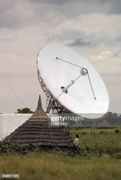 Antenne parabolique à Dinkas au SudSoudan