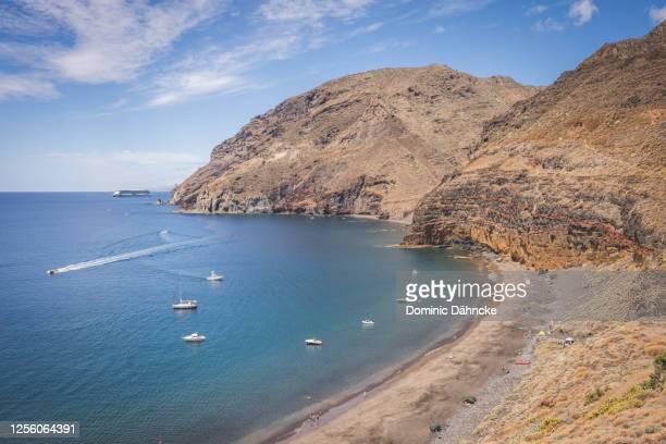 """""""antequera"""" beach, in santa cruz de tenerife town (canary islands, spain) - dähncke fotografías e imágenes de stock"""