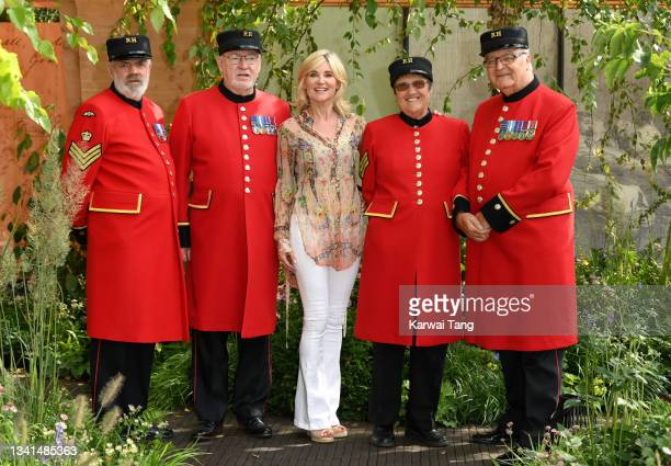Anthea Turner attends the RHS Chelsea Flower Show on September 20, 2021 in London, England. This year's RHS Chelsea Flower Show was delayed from its...