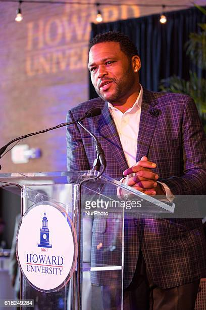 Anthony Anderson speaks in the Blackburn Center Ballroom on the campus of Howard University in Washington DC USA on 25 October 2016 during a...