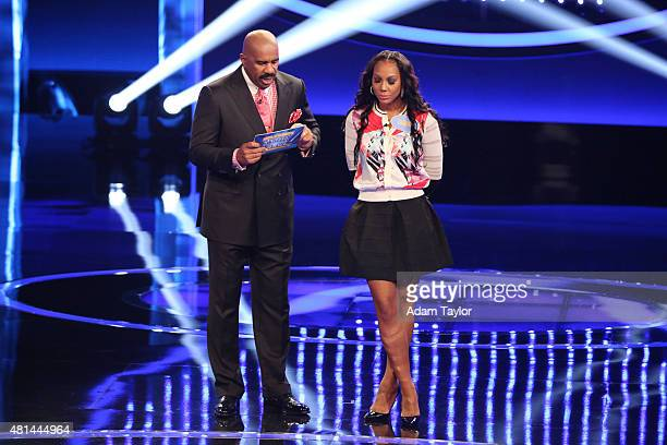 FEUD 'Anthony Anderson vs Toni Braxton and Monica Potter vs Curtis Stone' The series premiere of 'Celebrity Family Feud' will feature actor Anthony...