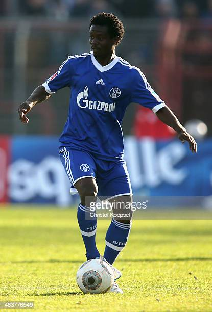 Anthony Annan of Schalke runs with the ball during the friendly match between RW Oberhausen and FC Schalke 04 at Niederrhein Stadion on January 19...
