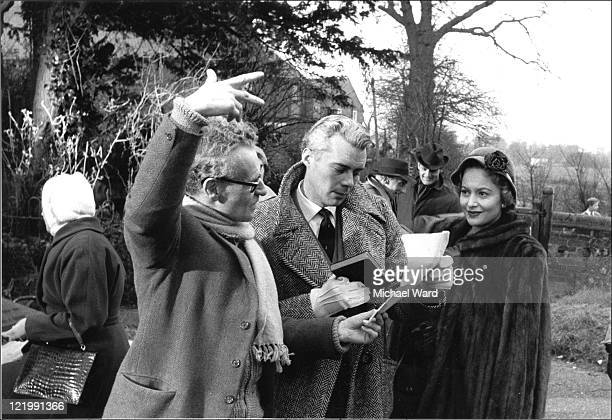 Anthony Asquith directing Dirk Bogarde and Olivia de Havilland in 'Libel' 1959