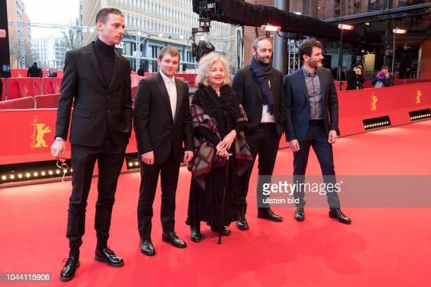 Anthony Bajon Damien Chapelle und Alex Brendemühl mit Sauspielerin Hanna Schygulla und Regiesseur Cederic Kahn mit während der Premiere des Films LA...