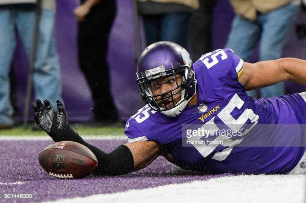 Anthony Barr of the Minnesota Vikings slides after a loose ball during the game against the Chicago Bears on December 31 2017 at US Bank Stadium in...