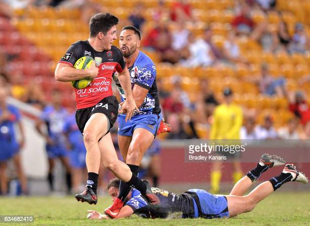 Anthony Belleau of Toulon breaks away from the defence during the Rugby Global Tens match between the Western Force and Toulon at Suncorp Stadium on...