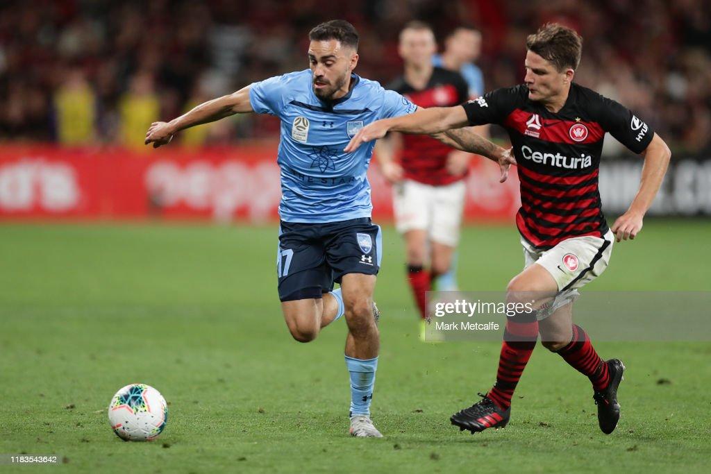 A-League Rd 3 - Western Sydney v Sydney : ニュース写真