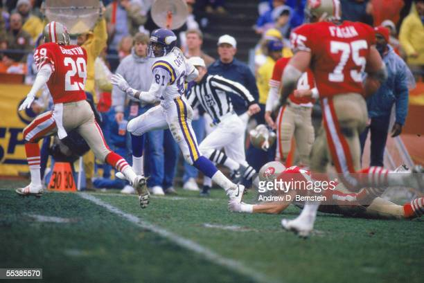 Anthony Carter of the Minnesota Vikings runs pass the 30 yard line against the San Francisco 49ers during a game circa 1980's at Candlestick Park in...