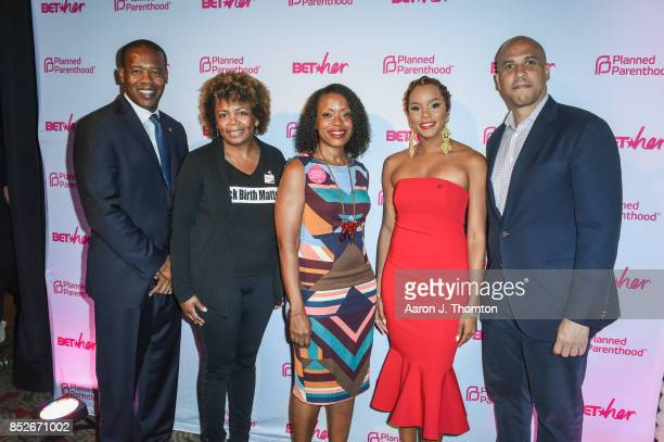 Anthony Daniels Dr Joia CrearPerry Tracy Reese Letoya Luckett and Cory Booker pose at the 6th Annual Planned Parenthood Champions of Women's Health...