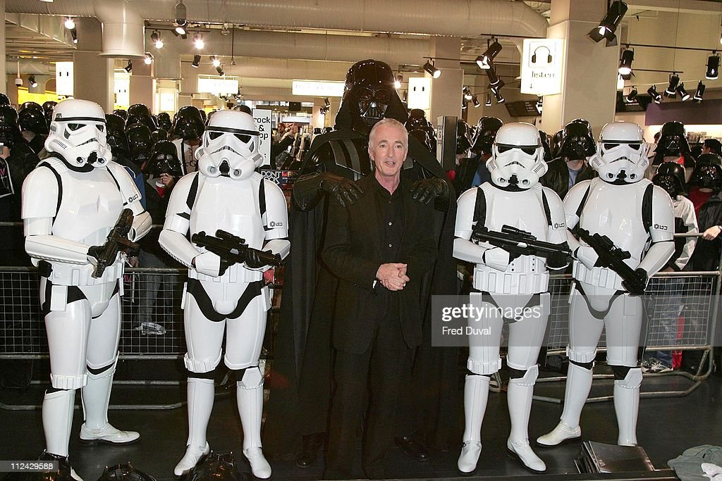 Anthony Daniels During Star Wars Episode Iii Revenge Of The Sith News Photo Getty Images