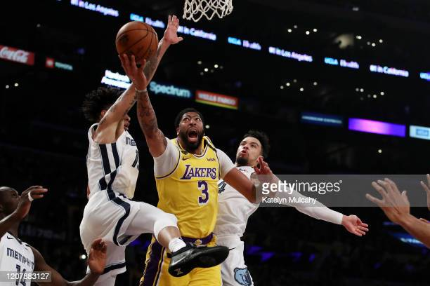 Anthony Davis of the Los Angeles Lakers goes to the basket during the second quarter in a game against the Memphis Grizzlies at Staples Center on...