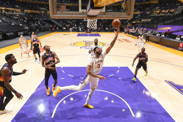 Anthony Davis of the Los Angeles Lakers shoots the ball during the game against the Phoenix Suns on May 9, 2021 at STAPLES Center in Los Angeles,...