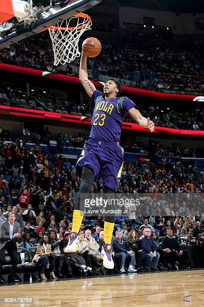 Anthony Davis of the New Orleans Pelicans goes to the basket against the Los Angeles Lakers on February 4 2016 at the Smoothie King Center in New...