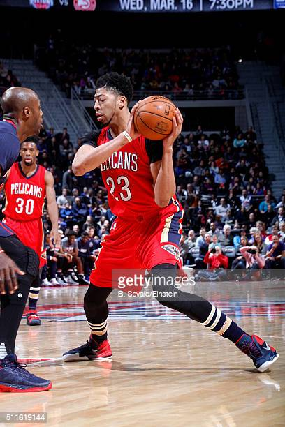 Anthony Davis of the New Orleans Pelicans handles the ball during the game against the Detroit Pistons on February 21 2016 at The Palace of Auburn...