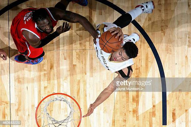 Anthony Davis of the New Orleans Pelicans shoots against the Atlanta Hawks on February 2 2015 at Smoothie King Center in New Orleans Louisiana NOTE...