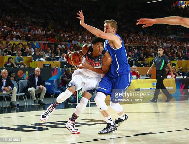 Anthony Davis of the USA Basketball Men's National Team drives against Hanno Möttölä of the Finland Basketball Men's National Team during the 2014...