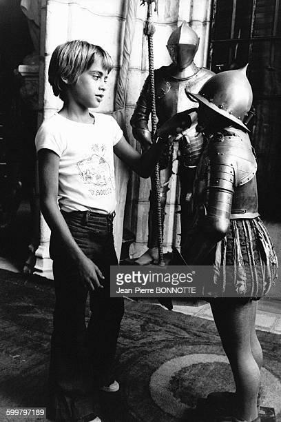 Anthony Delon 8 ans sur le tournage du film 'Zorro' le 20 août 1974 à Madrid Espagne