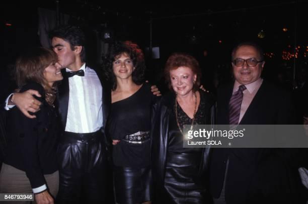 Anthony Delon presente sa ligne de vetements lors d'une soiree au club l'Apocalypse avec a ses cotes sa mere Nathalie Delon Clio Goldsmith et Regine...