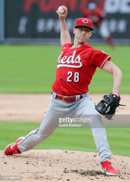 Anthony DeSclafani of the Cincinnati Reds pitches against the Detroit Tigers during the second inning at Comerica Park on August 2 in Detroit,...