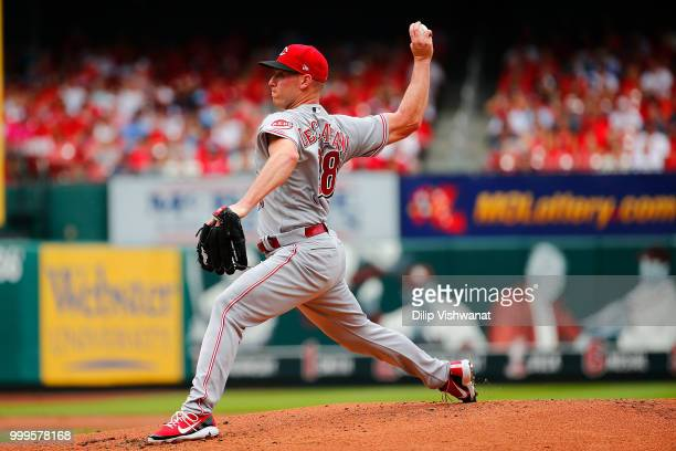 Anthony DeSclafani of the Cincinnati Reds pitches against the St Louis Cardinals in the first inning at Busch Stadium on July 15 2018 in St Louis...