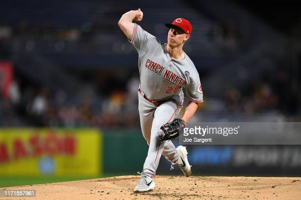 Anthony DeSclafani of the Cincinnati Reds pitches during the first inning against the Pittsburgh Pirates at PNC Park on September 27, 2019 in...