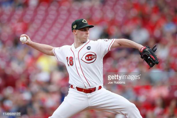Anthony DeSclafani of the Cincinnati Reds pitches in the first inning against the Los Angeles Dodgers at Great American Ball Park on May 17 2019 in...