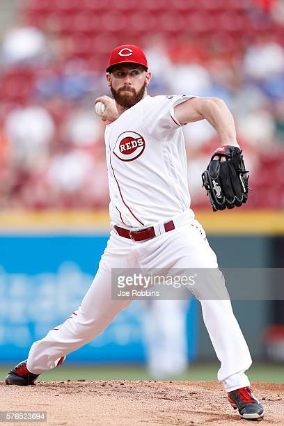 Anthony DeSclafani of the Cincinnati Reds pitches in the first inning against the Milwaukee Brewers at Great American Ball Park on July 15 2016 in...