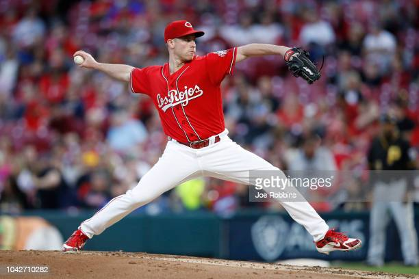 Anthony DeSclafani of the Cincinnati Reds pitches in the second inning against the Pittsburgh Pirates at Great American Ball Park on September 28...