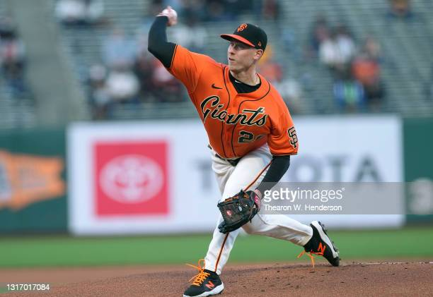 Anthony DeSclafani of the San Francisco Giants pitches against the San Diego Padres in the first inning at Oracle Park on May 07, 2021 in San...