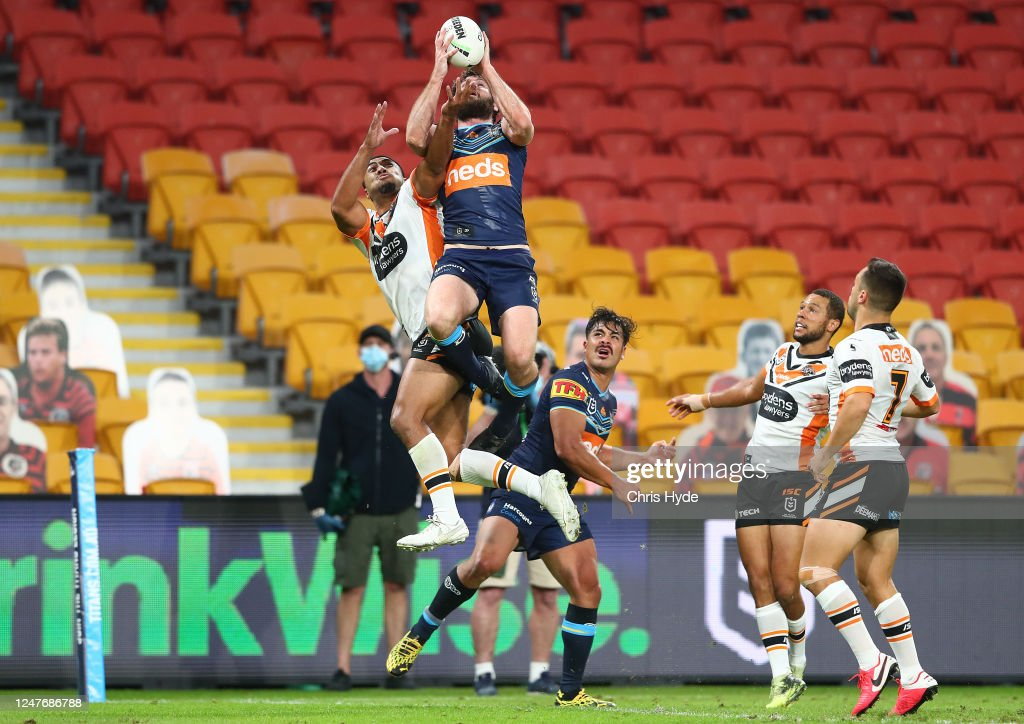 NRL Rd 4 - Titans v Tigers : News Photo