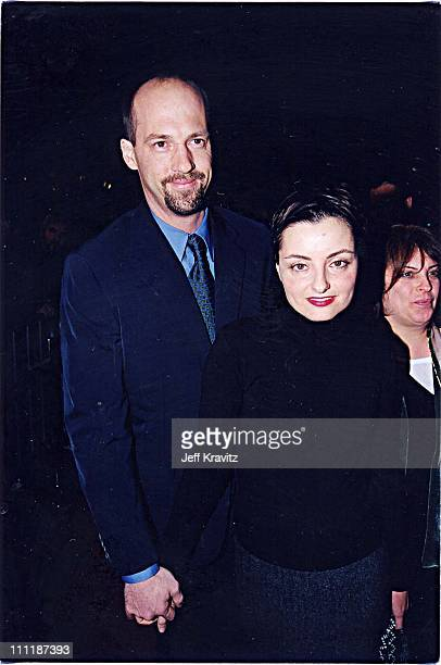 Anthony Edwards & wife Jeanine at the 1998 premiere of Playing by Heart in Los Angeles.