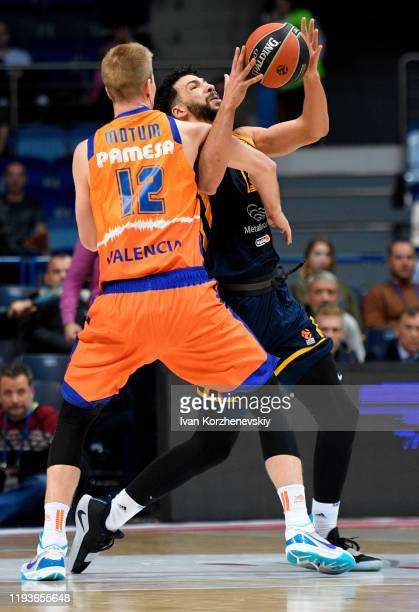Anthony Gill, #13 of Khimki Moscow Region competes with Brock Motum, #12 of Valencia Basket