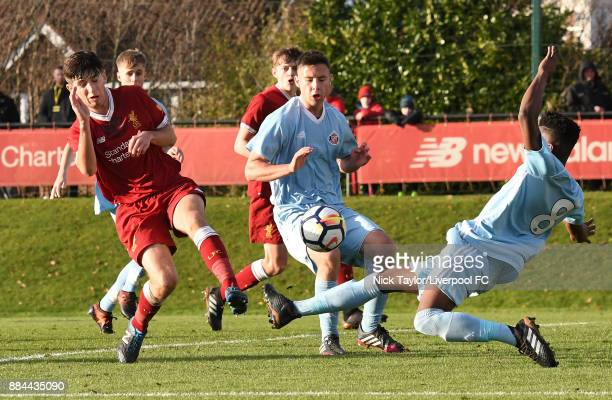 Anthony Glennon of Liverpool and Bali Mumba of Sunderland in action during the Liverpool v Sunderland U18 Premier League Cup game at The Kirkby...