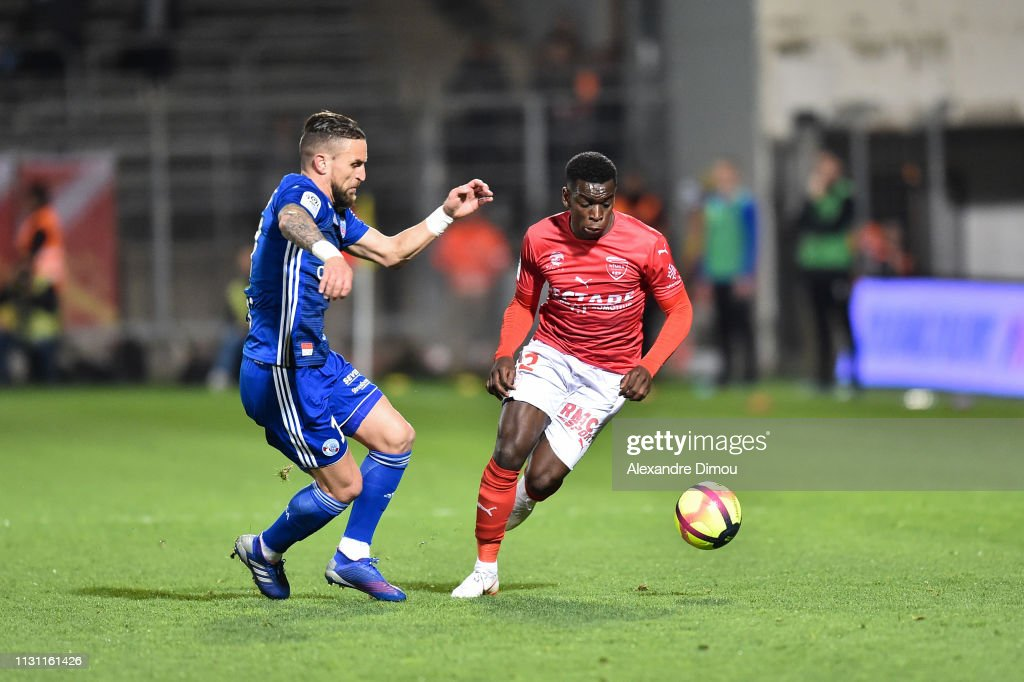 29 EME JOURNEE DE LIGUE 1 CONFORAMA : NÎMES OLYMPIQUE - RACING CLUB DE STRASBOURG ALSACE  - Page 2 Anthony-goncalves-of-strasbourg-and-christemmanuel-maouassa-of-nimes-picture-id1131161426?k=6&m=1131161426&s=612x612&w=0&h=w1HkrNphay5ICpI90cnmH_7WuYCHh3H3LuUkPxXtmww=