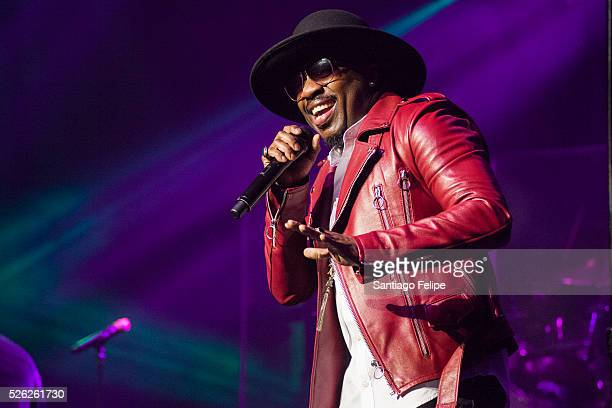 Anthony Hamilton performs onstage at The Theater at Madison Square Garden on April 29 2016 in New York City