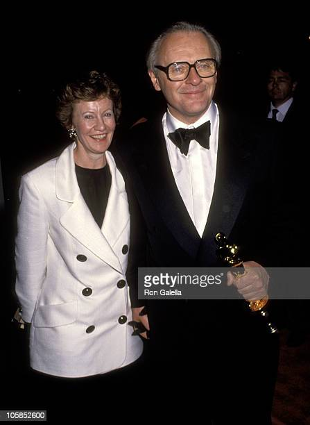 Anthony Hopkins and Wife Jennifer Lynton during 64th Annual Academy Awards at Dorothy Chandler Pavilion in Los Angeles California United States