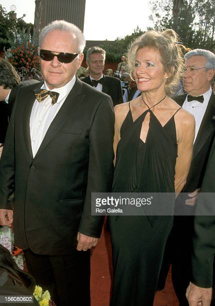 Anthony Hopkins and Wife Jennifer Lynton during The 73rd Annual Academy Awards Arrivals at Shrine Auditorium in Los Angeles California United States