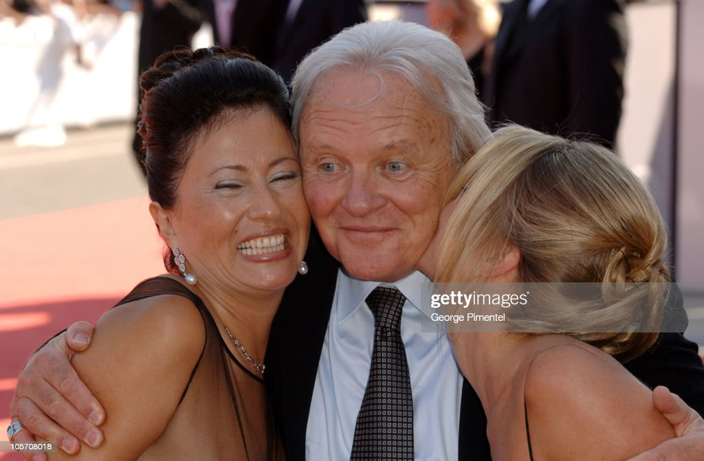 Anthony Hopkins with wife Stella Arroyave (L) and Lisa Pepper