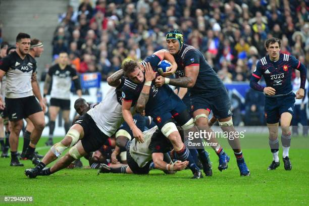 Anthony Jelonch of France makes a break during the test match between France and New Zealand at Stade de France on November 11 2017 in Paris France