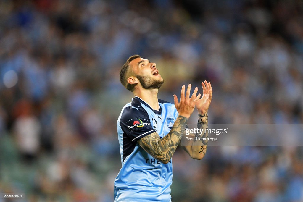 A-League Rd 8 - Sydney v Brisbane : News Photo
