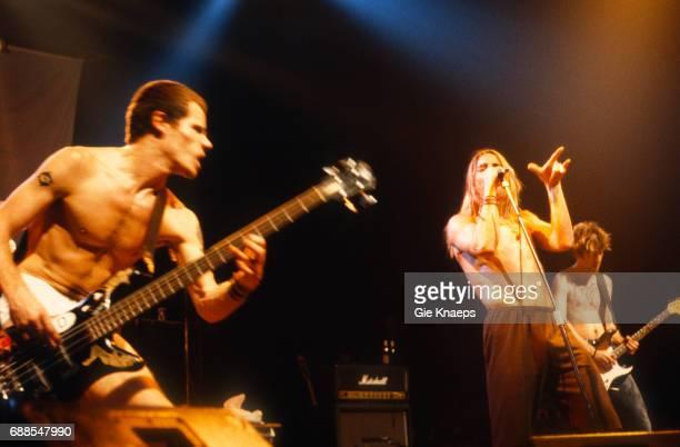 Anthony Kiedis Flea Hillel Slovak Red Hot Chili Peppers Ancienne Belgique Brussels Belgium