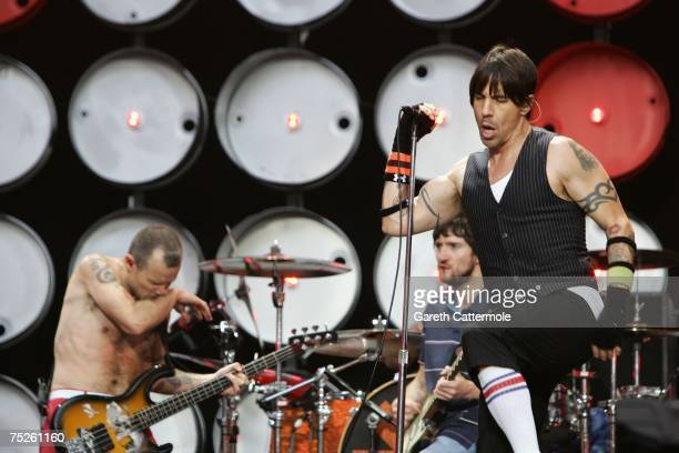 Anthony Kiedis of American rock band Red Hot Chili Peppers performs on stage during the Live Earth concert held at Wembley Stadium on July 7 2007 in...