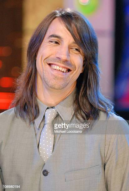 Anthony Kiedis of the Red Hot Chili Peppers during Nick Lachey Ciara Paris Bennett Josh Lucas and Red Hot Chili Peppers Visit MTV's 'TRL' May 9 2006...