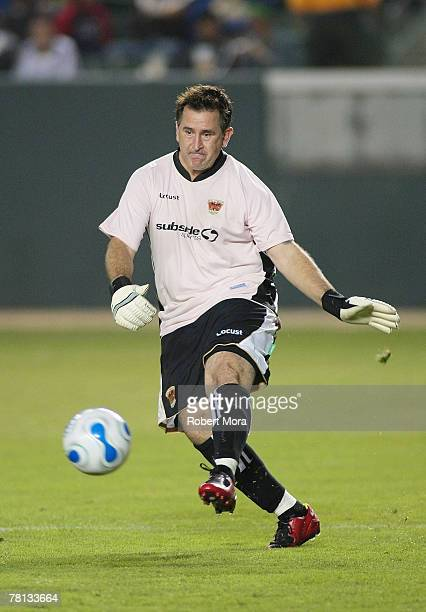 Anthony Lapaglia of Hollywood United FC during the celebrity soccer match against the Los Angeles Galaxy at Home Depot Center on November 4 2007 in...